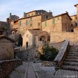Piazzetta nel borgo di Roccantica