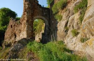 Monterano-Porta