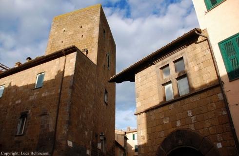 tuscania-scorcio-di-edifici-1-rcrlb