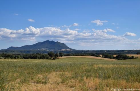 Valle del Tevere-Paesaggio con Mte Soratte presso Collevecchio 1 RCRLB.JPG