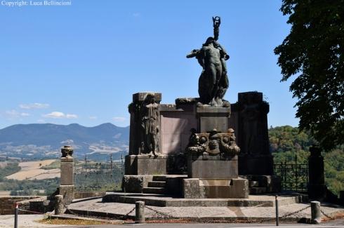 Orvieto-Monumento ai Caduti 1 RCRLB