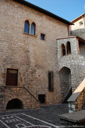 Vico nel Lazio-Palazzo del Governatore 1 RCRLB.JPG